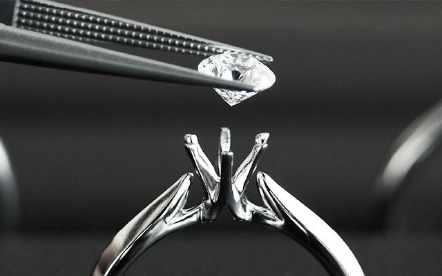 婚約指輪とダイヤモンド イメージ